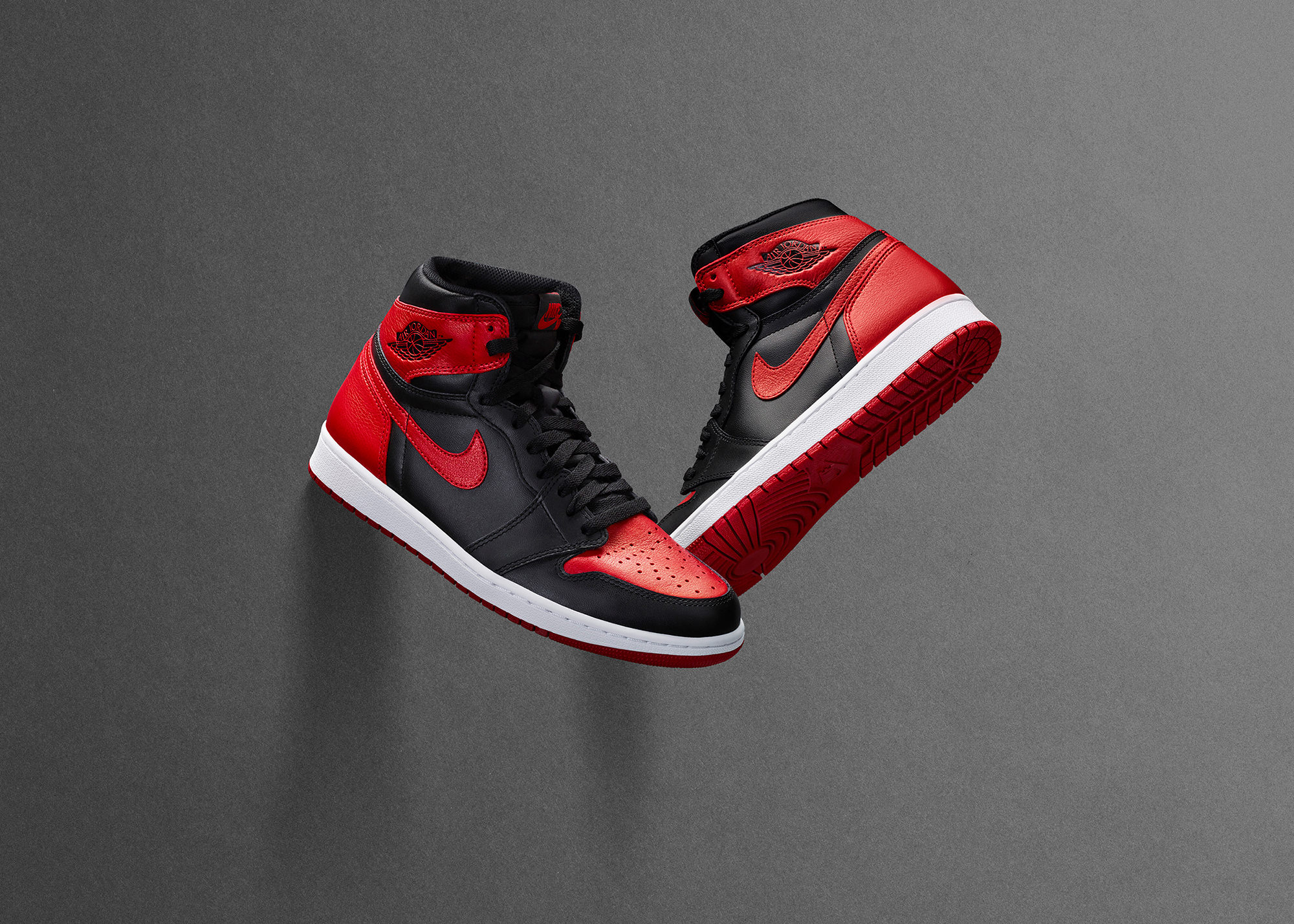 57c3b0c8925c208f491ca251_Air_Jordan_I_Pair_original