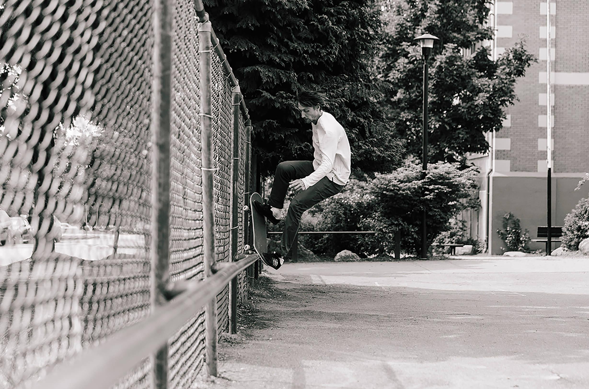 57c3dad5d83d9bd4568f1be2_livestock-x-adidas-samba-skateboard-2