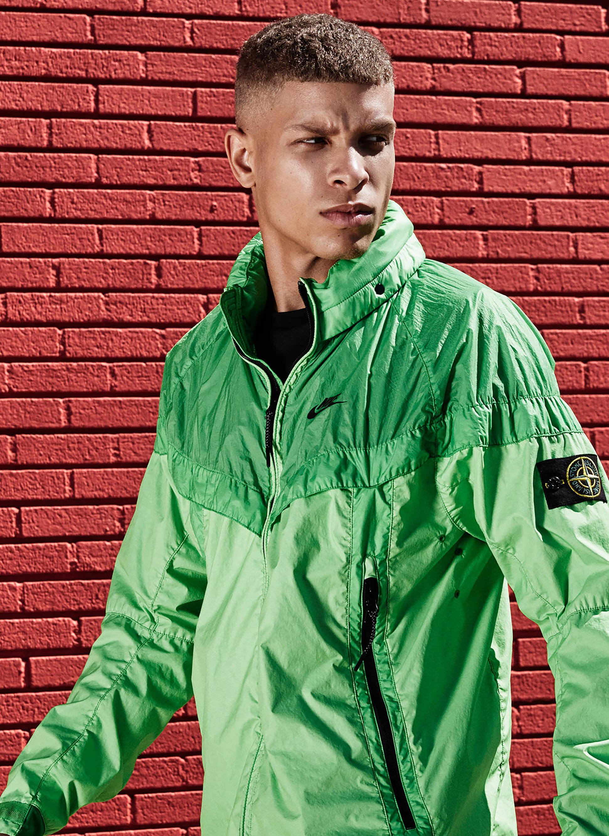 57cfcceba4b6d89c0cf99cd0_NikeLab-x-Stone-Island-Windrunner_Green_native_1600