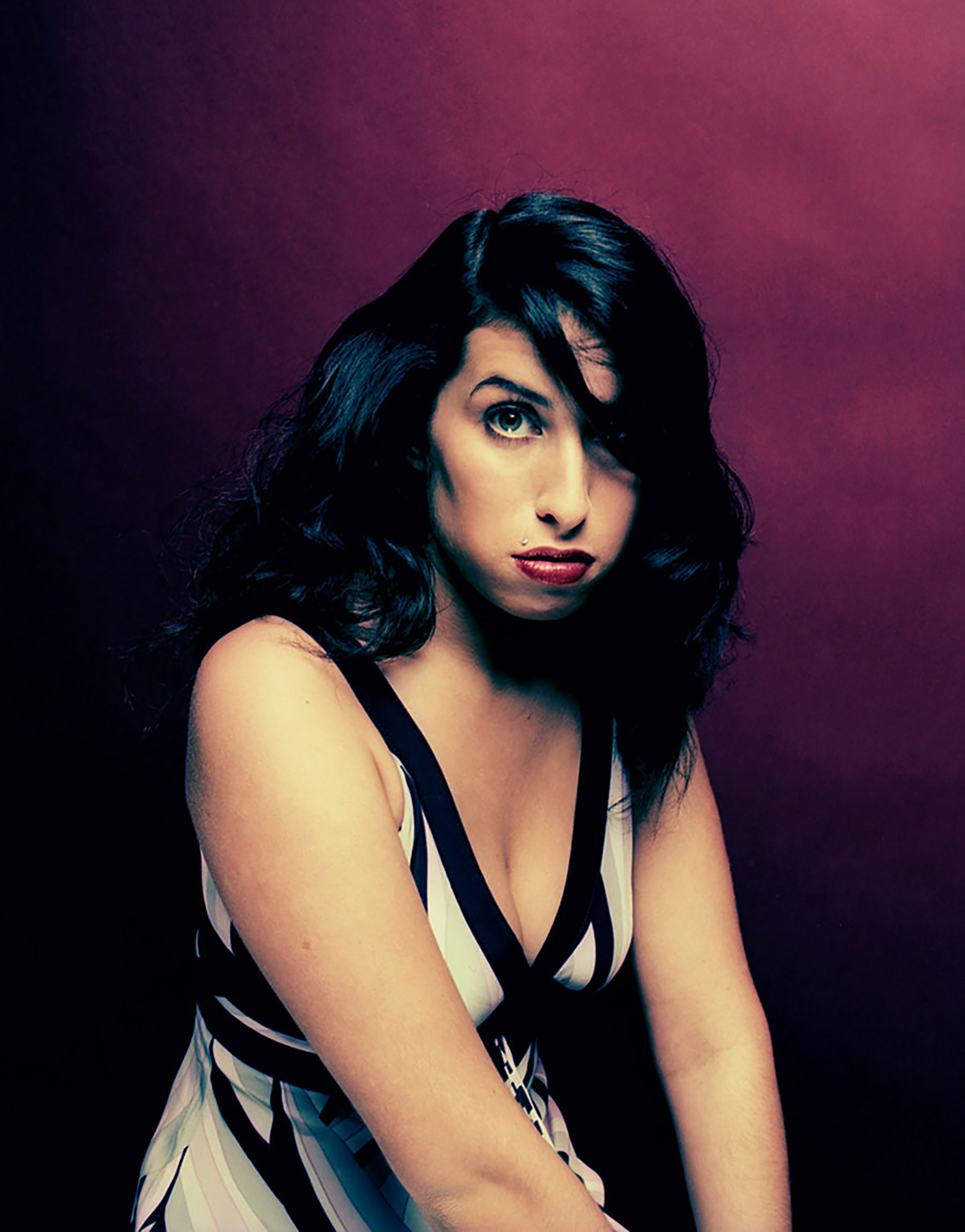 57e221113c59b02205433f45_Amy-Winehouse-cr-Phil-Knott-5981-2016-billboard-1240