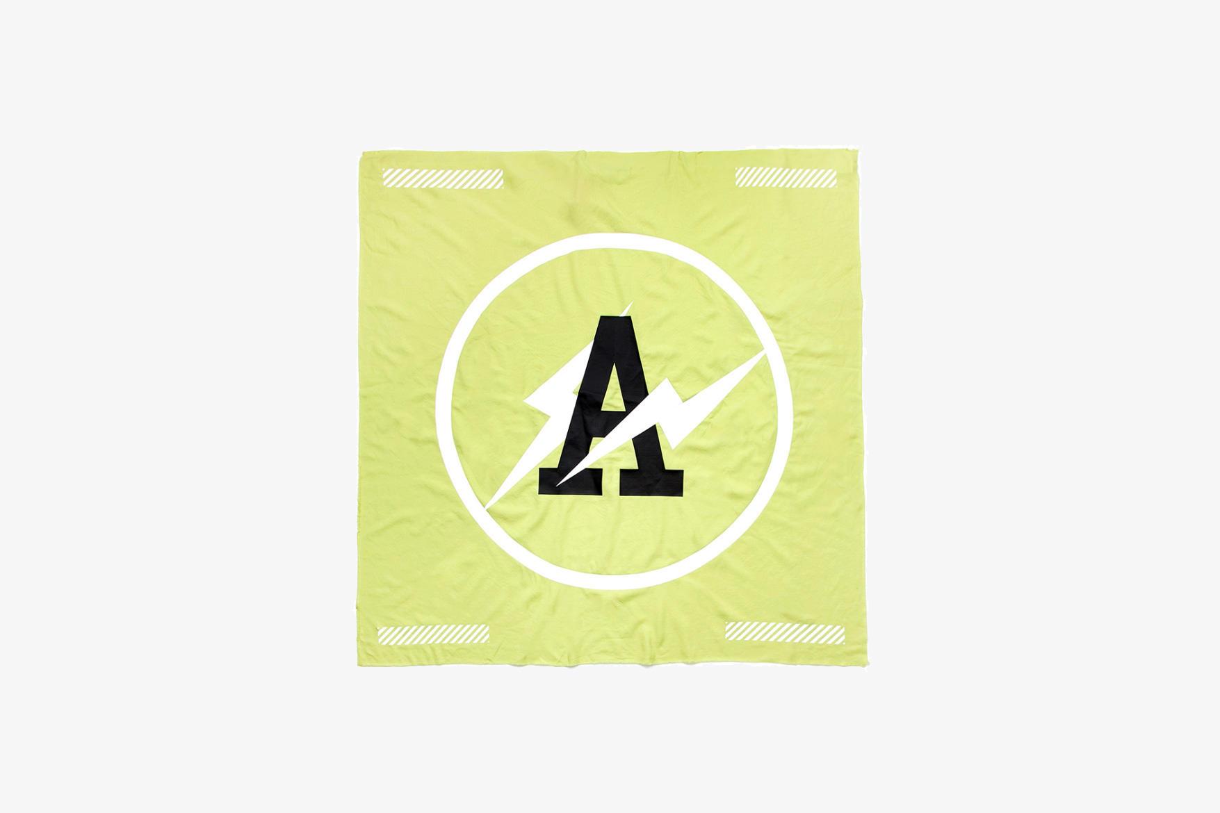 57f6f8068ca18f2e60f17e58_off-white-fragment-design-fluo-10