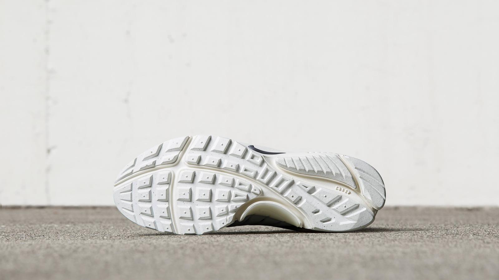 5812e6bc4c0e119f5c2cdc41_161026_footwear_pendleton_presto_s_0029r_hd_1600