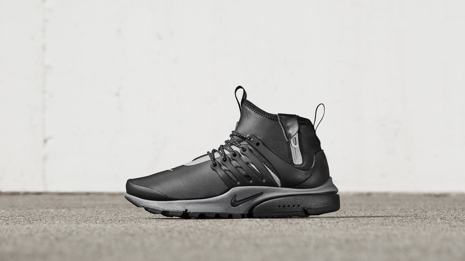 581947a2d2a44a8119f2e8ba_161026_footwear_sneakerboot_p_0073r_hd_1600