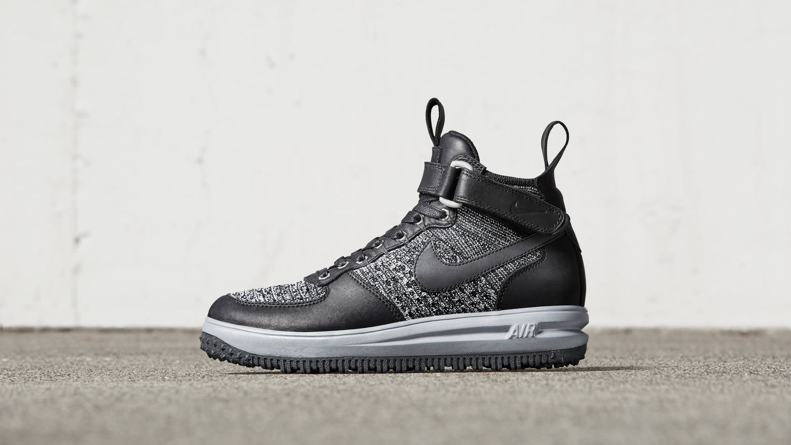 58194885a4bfa69a4ded423c_161026_footwear_sneakerboot_p_0041r_hd_1600