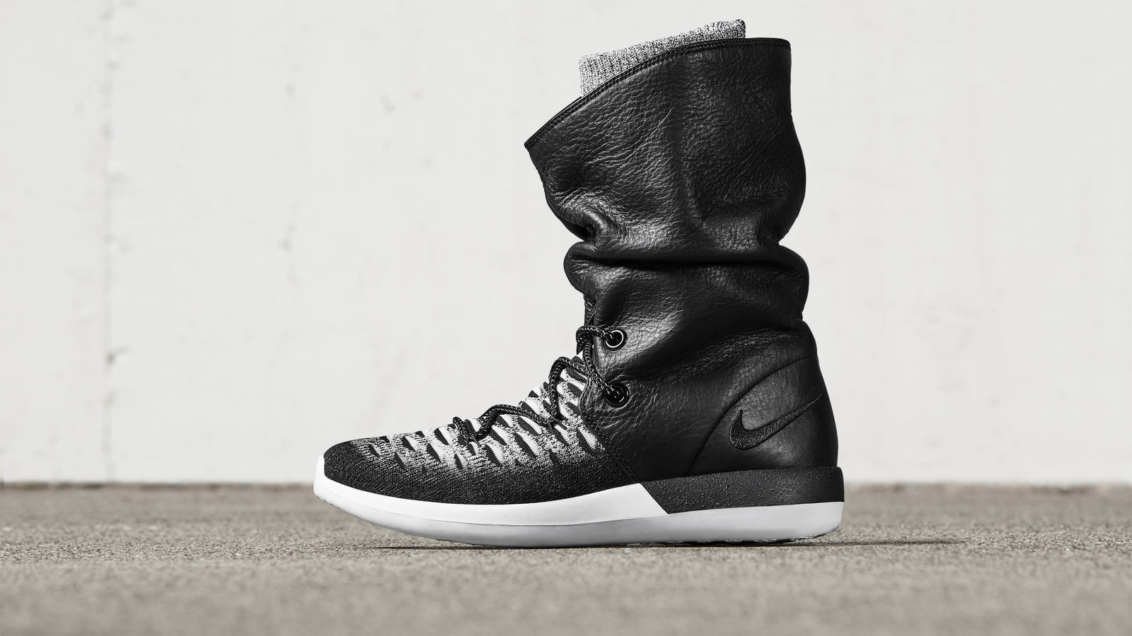 581948c1c5fddf0f70aae2cf_161026_footwear_sneakerboot_p_0079r_hd_1600
