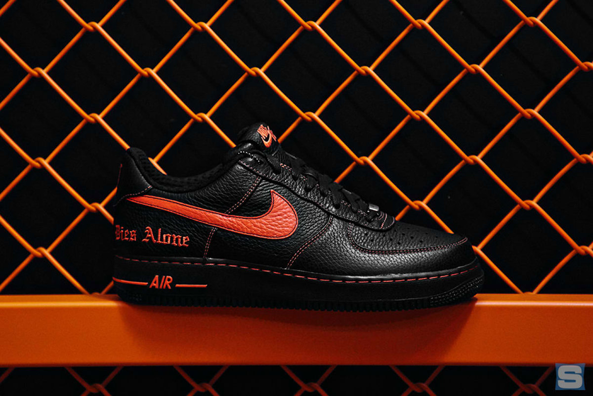 pop-up-vlone-nike-9